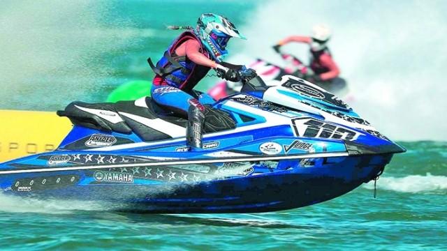 ความสนุกของเจ็ทสกี กีฬาท้าความเร็วบนผิวน้ำ
